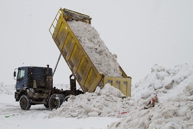 Уборка снега электро лопатой в